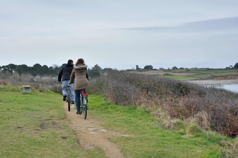 Balade à vélo couple